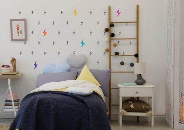 מדבקות ברקים מאויירים שחור וצבעוני לחדרי ילדים ונוער - מיכל נמצוב סטודיו m creative