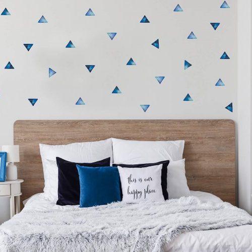 מדבקות קיר משולשים כחול - מיכל נמצוב סטודיו m creative
