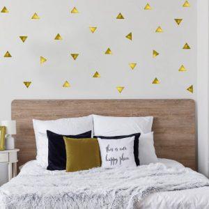 מדבקות קיר משולשים צהוב - מיכל נמצוב סטודיו m creative